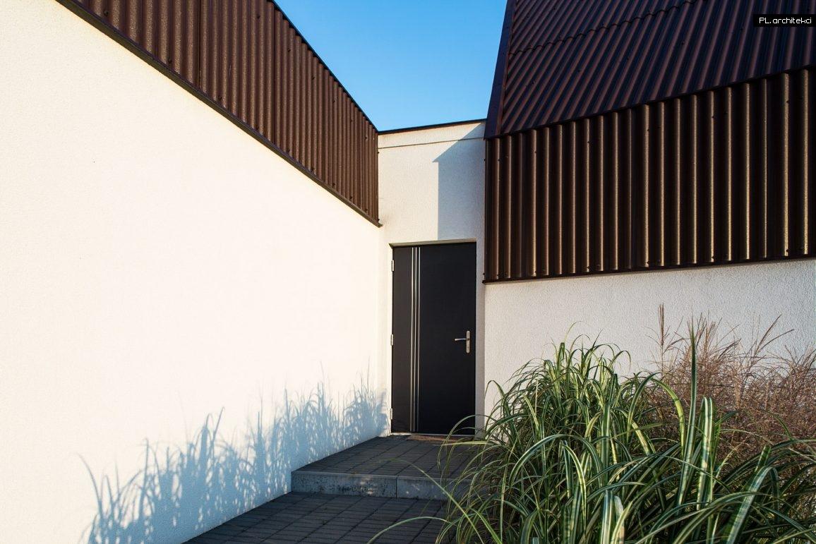 wejście do domu - nowoczesnej stodoły
